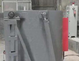 倾倒式熔铝炉